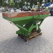 Amazone ZAU 1001 fertilizer spreader