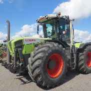 CLAAS XERION 3300 VC tractor
