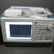 Tektronix RSA5106A Real-Time Signal Analyzer, 1 Hz-6.2GHz, 110 MHz Acquisition BW, 100-240V, 50 / 60Hz, mit Optionen 50, 52 ...