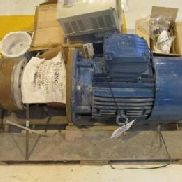 WEG/REGGIANA Gearbox Motor WEG/REGGIANA gearbox. 3-160M4; 11FEV05; IP55; SF1.00; AMB40 degree C; brake cell voltage 205V ...