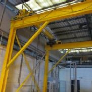 CY ELECTRICAL Free Standing Bridge Crane System 1 tonne capacity Free standing bridge crane system. Electric chain hoist ...