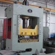 Hydraulic Straight Side Press Model: P313