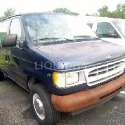 2001 Ford E-350 12 Passenger Van VIN: 1FTSE34L51HB64993. Meter indicates 10,709 miles. Powered by an Econoline gas eng