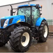 NEW HOLLAND T7060 4WD TRACTOR