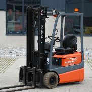 3 Wheel Electric Forklift Trucks