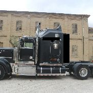 Kenworth W900 I American tractor for semi-trailer