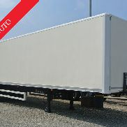 Semitrailer w 2 flags used axes