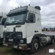 Volvo FH12 420 4x2 Sleeper Tractor Unit