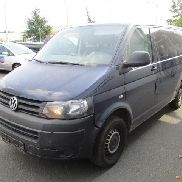 Multi-purpose vehicle VW T5 Bus 2.0 TDI