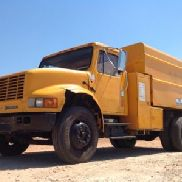 2001 International 4700 Chipper Dump Truck (117028)