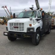 Versalift Over-Center Bucket Truck mounted behind cab on 2006 GMC C8500 Utility Truck (117329)