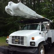 Altec Over-Center Material Handling Bucket Truck rear mounted on 2000 Chevrolet C7500 Utility Truck (117998)