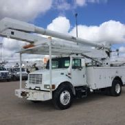 Altec Material Handling Bucket Truck rear mounted on 1999 International 4700 Utility Truck (118572)