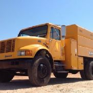 1999 International 4700 Chipper Dump Truck (119070)