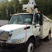 Altec Articulating & Telescopic Bucket Truck mounted behind cab on 2009 International 4300 DuraStar Utility Truck (120228)
