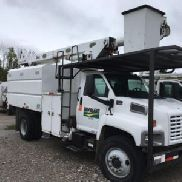 Altec Over-Center Bucket Truck mounted behind cab on 2003 GMC C7500 Chipper Dump Truck (123494)
