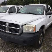 2005 Dodge Dakota 4x4 Extended-Cab Pickup Truck (123977)