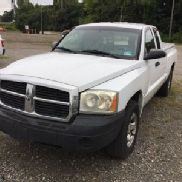 2005 Dodge Dakota Extended-Cab Pickup Truck (123978)