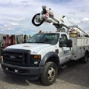 Altec Articulating & Telescopic Bucket Truck mounted behind cab on 2009 Ford F550 Service Truck (125570)