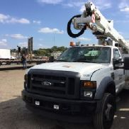 Altec Articulating & Telescopic Bucket mounted behind cab on 2009 Ford F550 Service Truck (125573)