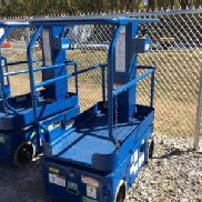 2001 UpRight TM12 Self-Propelled Manlift (126412)