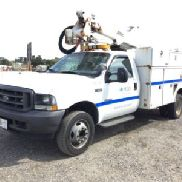 Altec Articulating & Telescopic Bucket Truck mounted behind cab on 2004 Ford F350 Service Truck (126547)