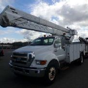 Terex Material Handling Bucket Truck rear mounted on 2007 Ford F750 Utility Truck (126951)