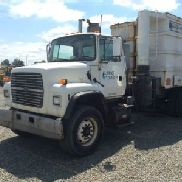 Guzzler Manufacturing Vactor Unit mounted on 1997 Ford L9000 T/A Cab & Chassis (127836)