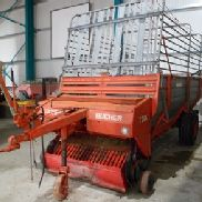 Loading wagons Bucher T20K