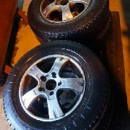 4 tires with rims fit for Citroen Jumper, with 80% print. Auction 518 # 0298