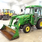 John Deere 4200 Compact tractor with a lot of equipment - 00