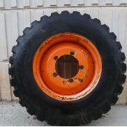 NEW HOLLAND LB115 wheel