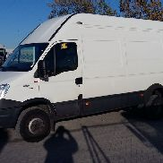 IVECO 70 c 17 daily klima closed box truck