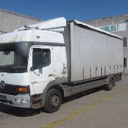 MERCEDES-BENZ 1323 truck curtainsider