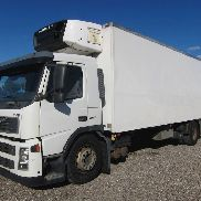 VOLVO FM9/260 CARRIER 80 refrigerated truck