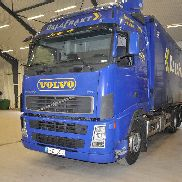 VOLVO FH480 Flisbil closed box truck