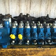 USED TEREX 760 820 860 880 970 980 VALVE REXROTH FRONT and REAR distributor for TEREX 760 / 820 / 860 / 880 / 970 / 980 backhoe loader