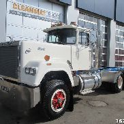 MACK DM 685 S chassis truck