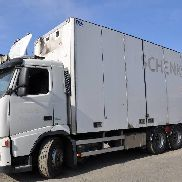 VOLVO FH400 closed box truck