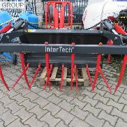 New INTER-TECH Krokodyl hay bale grabber