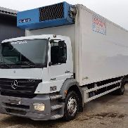 MERCEDES-BENZ AXOR 1933 cool box 8 meter refrigerated truck