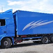 VOLVO FH520 closed box truck