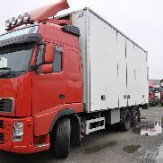 VOLVO FH480 closed box truck