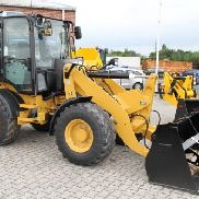 CAT 908 M - 35 km / h + Shovel & Fork - Rent