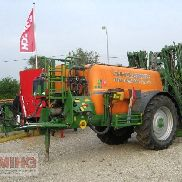 Amazone UG 4500 NOVA trailed sprayer