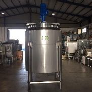Tank of double bottom reactor for steam or water and isotherm with agitation system 2,000 liters
