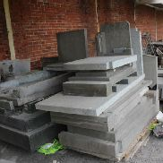 38 pallets, cont. div tiles in natural stone and tombstones