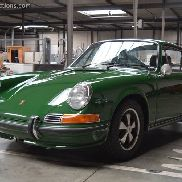 PORSCHE 911E 2.2 Irish Green Category: Car.