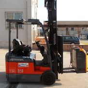 Sale Electric Forklift Used Toyota 7FBEF13 Matr.00228