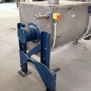 Used stainless steel Ribbon Blender with a working capacity of 500 litres and a total capacity of 700 litres